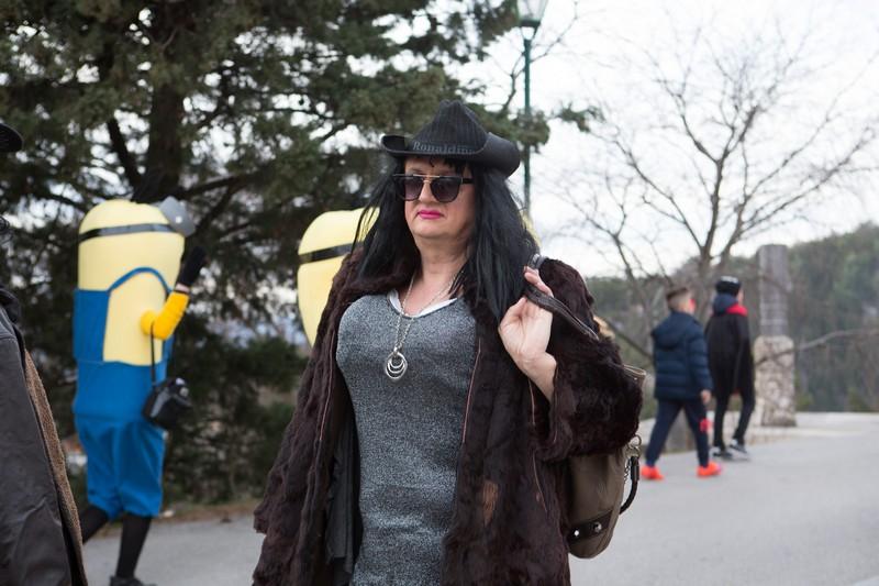Imotski, 20160702. Maskare okupirale imotske ulice. Od poznatih lica pojavili su se Velimir Bijanec, Mirajana Rakic, Zuzi Jelinek i dr. Na fotografiji: Kaubojka. Foto: Branimir Boban / CROPIX