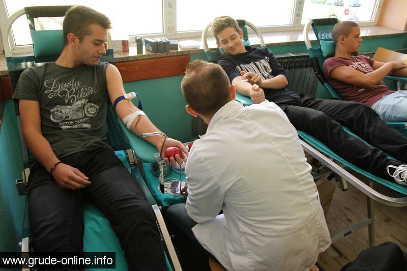 darivanje-krvi-za-maturante-11