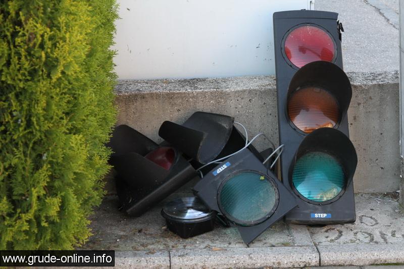 semafor-grude-4