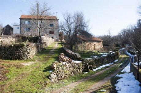 Zaseok Glavaši: Puca pogled na dolinu i jezero Krenica