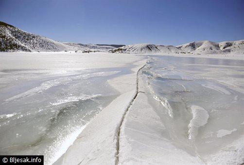 blidinjsko-jezero-led2