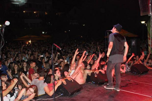 Preko 8000 ljudi na koncertu legendarnog Prljavog Kazališta